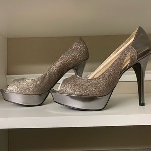 """4"""" Marc Fisher Silver Sparkly Heels 10"""